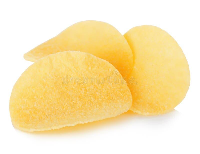 Pommes chips en gros plan sur le blanc photographie stock libre de droits