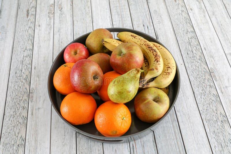 Pommes dans une cuvette photographie stock