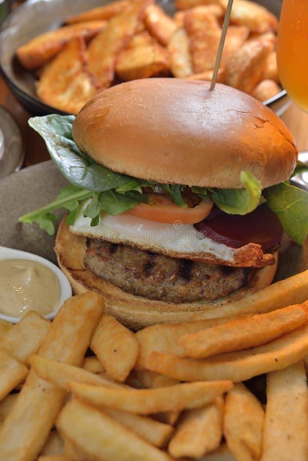 Pommes frites d'hamburger images libres de droits