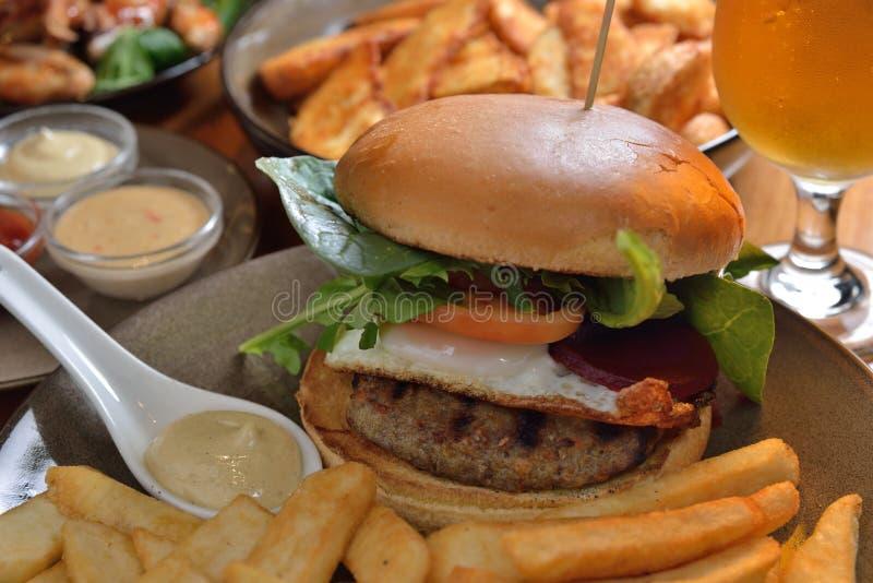 Pommes frites d'hamburger photo stock