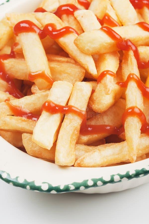 Pommes-Frites mit Ketschup stockfotografie