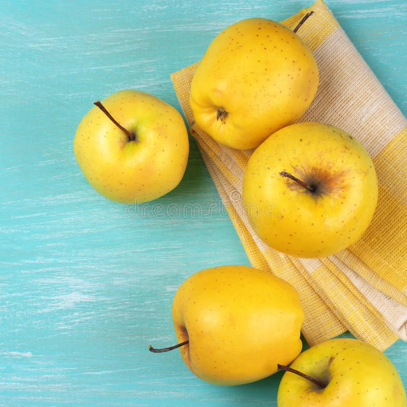 Pommes golden delicious images stock