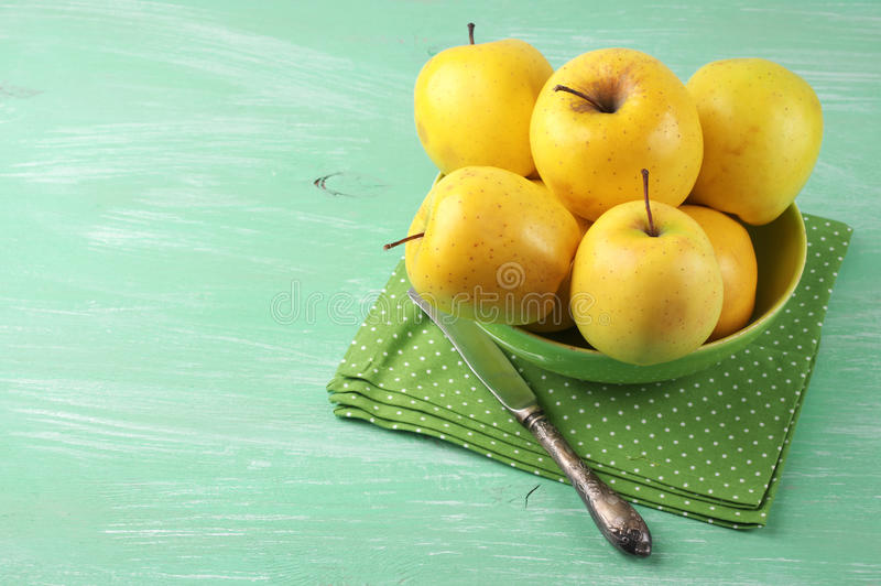 Pommes golden delicious image stock