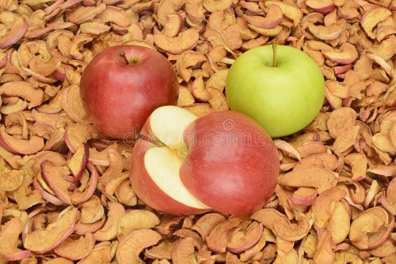 Download Pommes Sur Le Fond Des Fruits Secs Photo stock - Image du ingrédient, casse: 77155214