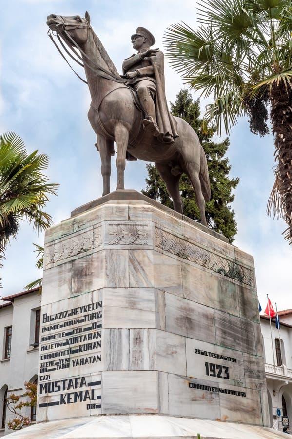 Pomnik Ataturka w Bursie Bursa jest popularnym celem turystycznym w Turcji zdjęcia stock