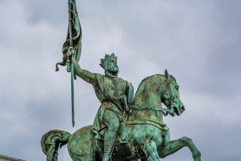 Pomnik Godefroid Godefroy de Bouillon na Placu Królewskim w Brukseli obrazy stock