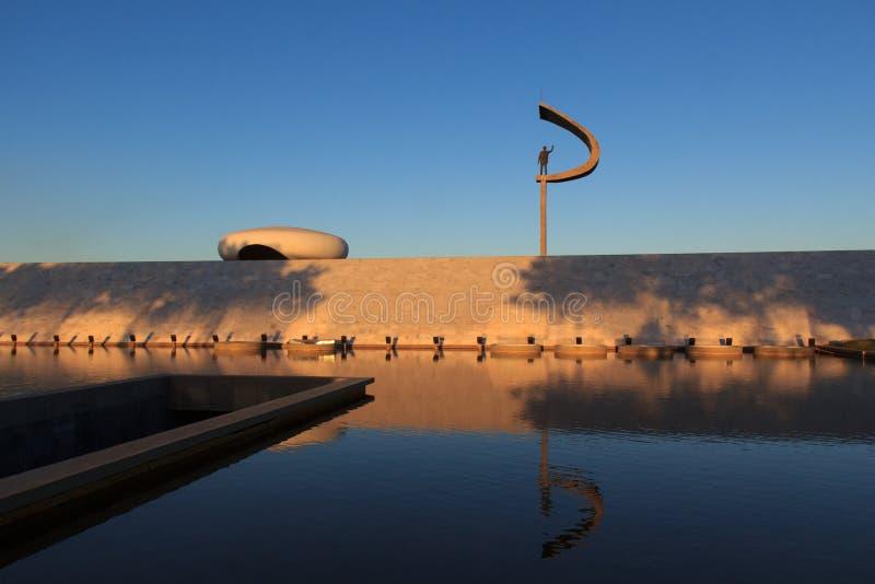 Pomnik JK - Futurystyczny Brazylijski prezydent Pamiątkowa statua wewnątrz zdjęcia stock