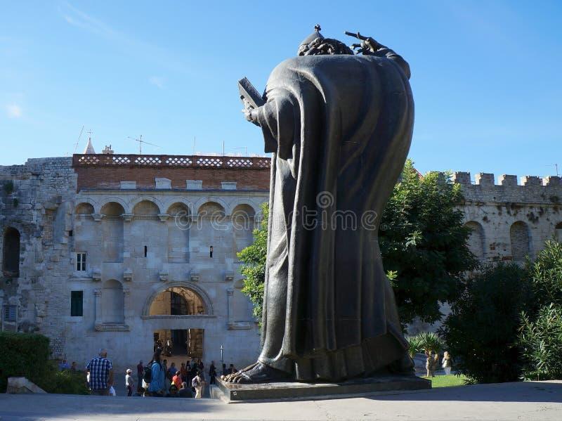 Pomnik michaelita Grgur od Nin zdjęcia royalty free