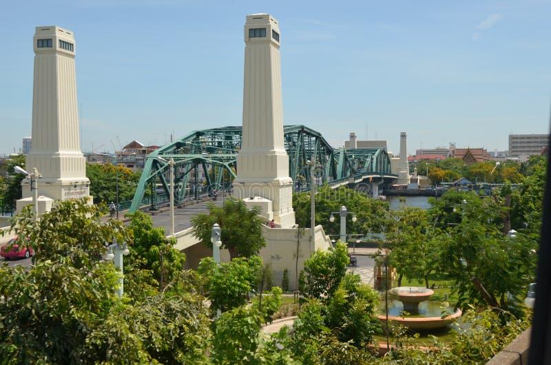 Pomnika Bangkok bridżowa gruntowa ocena Thailand obrazy royalty free