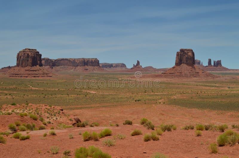 Download Pomnikowa Dolina Przy Zmierzchem Raj Geologia Obraz Stock - Obraz złożonej z butte, america: 106911575