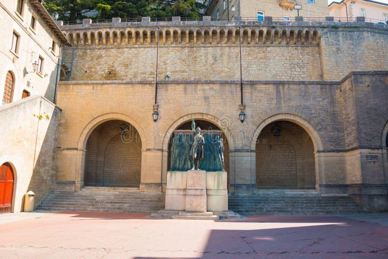 Pomnikowy Girolamo Gozi i obrońcy wolność 1739-1740 w San Marino zdjęcie royalty free