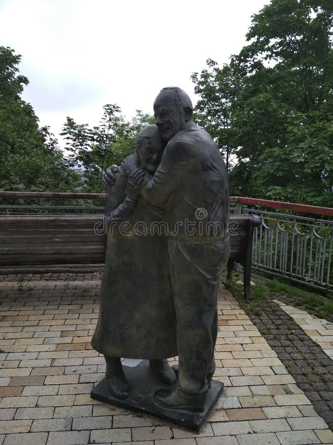 Pomnikowy pobliski parka most w Kijów obraz stock