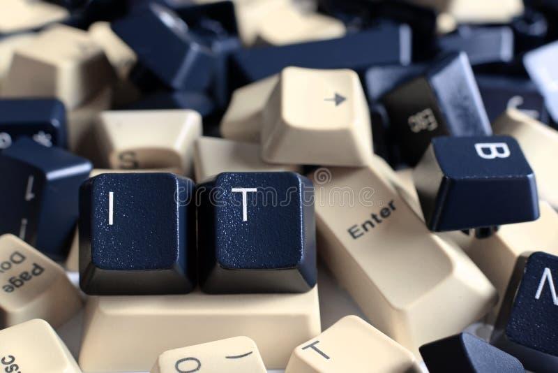 IT pomoc, stos Czarny I Biały Komputerowi Klawiaturowi klucze fotografia stock