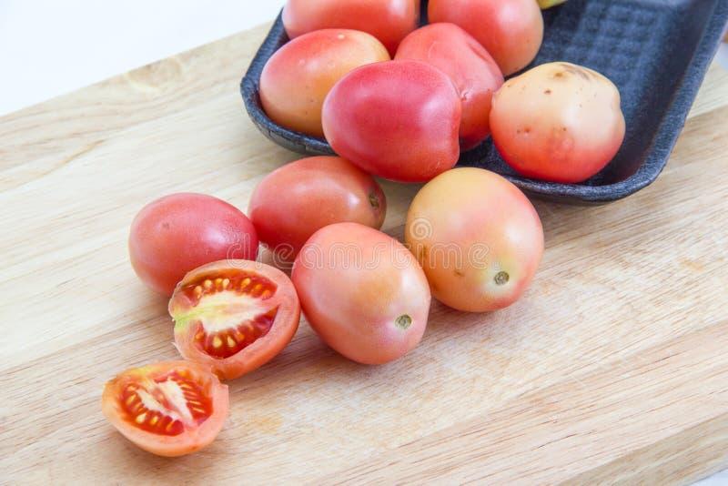 Download Pomodori immagine stock. Immagine di crop, vegetariano - 30830457