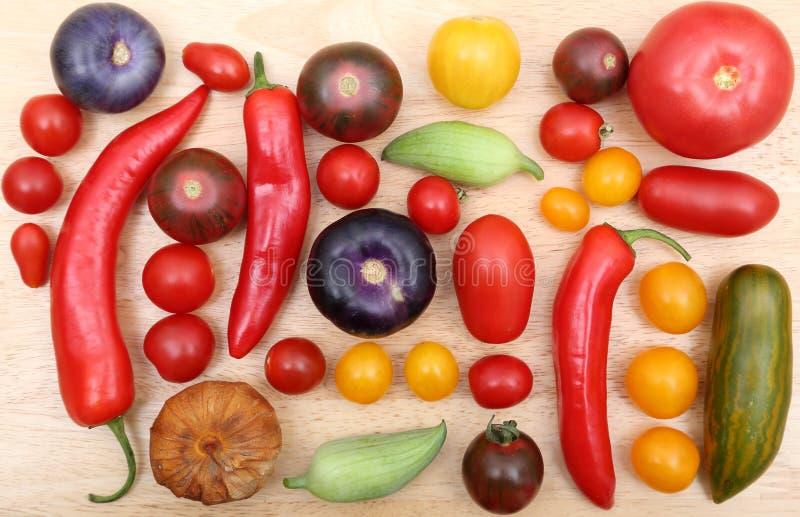 Pomodori, peperoni e tomatillo fotografia stock libera da diritti