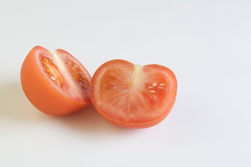 Pomodoro rosso isolato su priorit? bassa bianca immagini stock