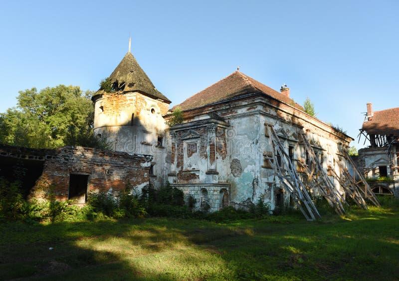 Pomoriany-Schloss in Lemberg-Region, West-Ukraine stockbild