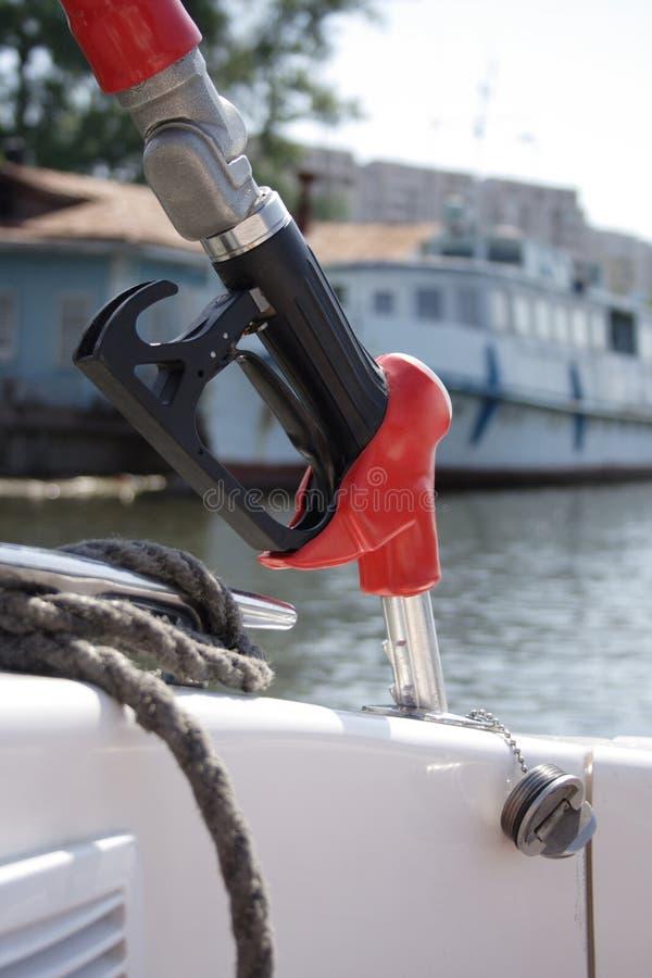 Pompa di benzina per la barca immagine stock libera da diritti