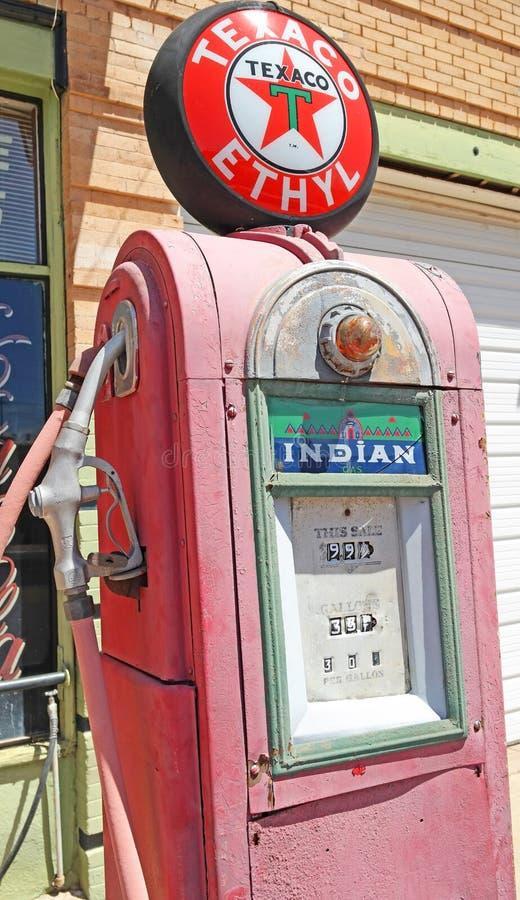 Pompa di gas antica fotografia stock