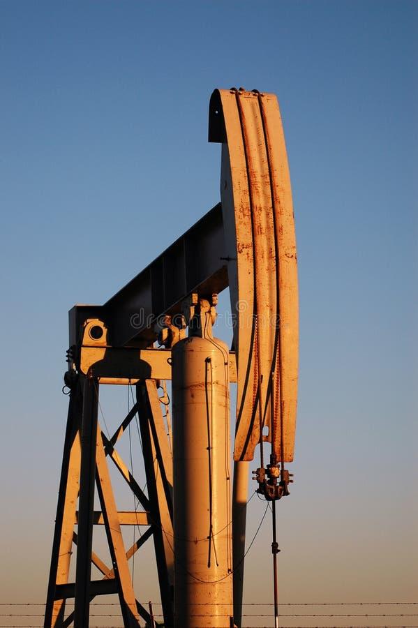 Pompa di olio. fotografia stock