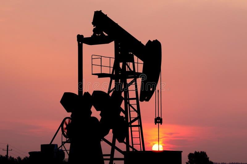 Pompa di olio immagini stock