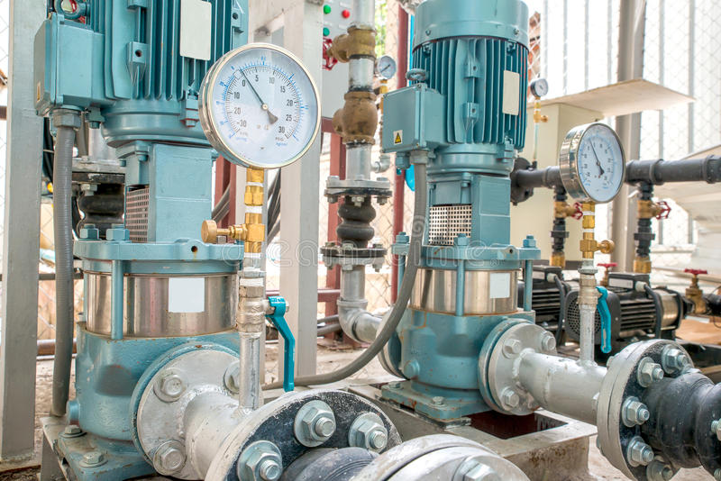 Pompa industriale del motore in fabbrica immagini stock libere da diritti
