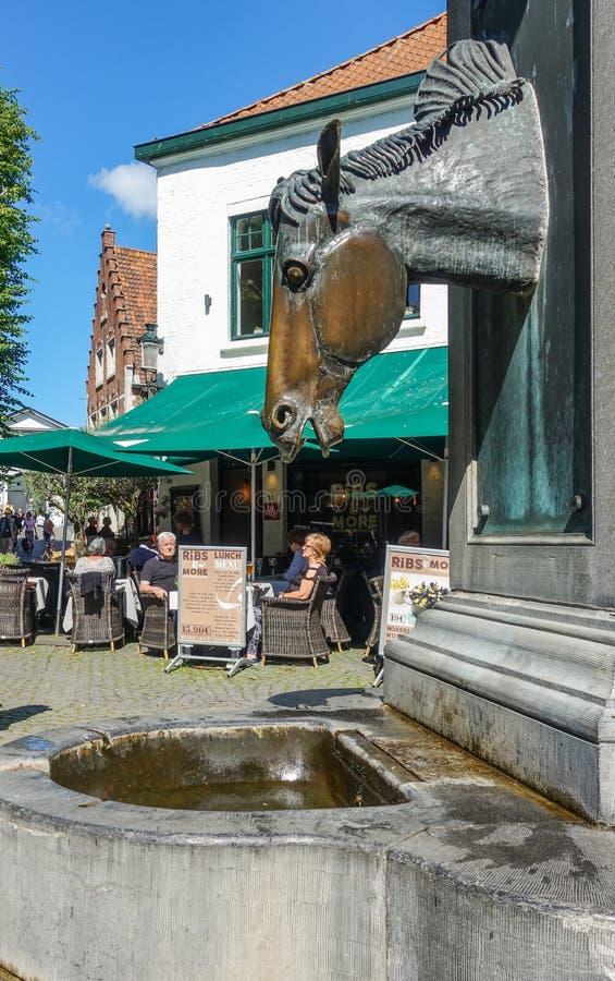 Pompa wodna dla koni frachty w Bruges, Flandryjskich, Belgia fotografia stock