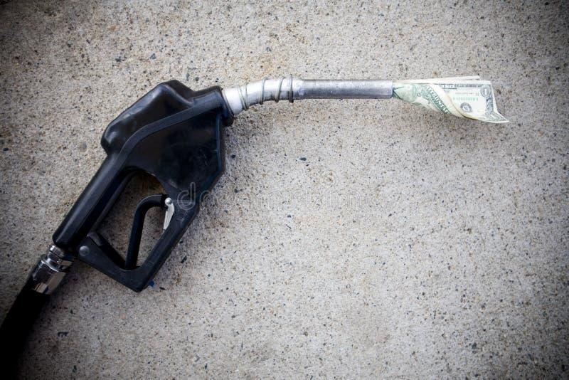 Pompe à gaz avec de l'argent dans le gicleur images libres de droits