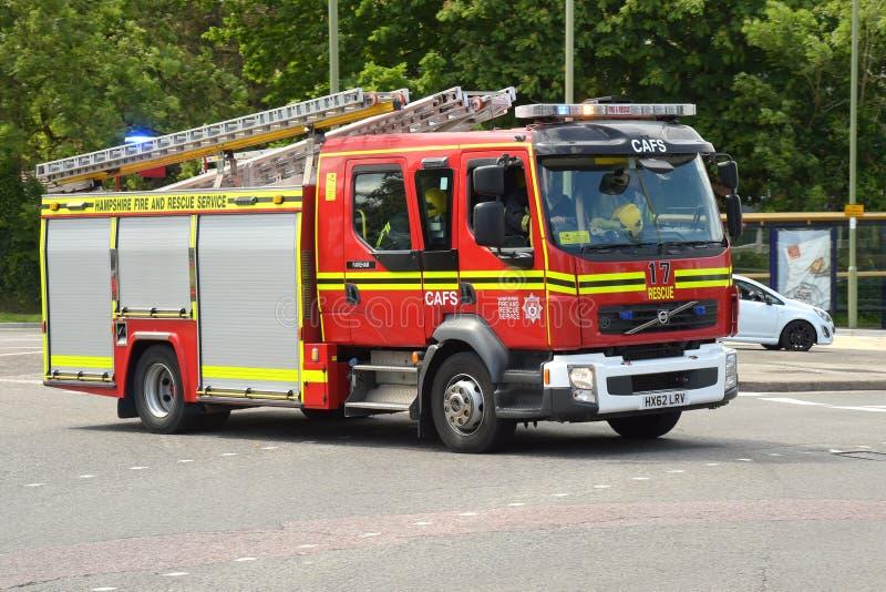 Pompe à incendie à un appel d'urgence image libre de droits