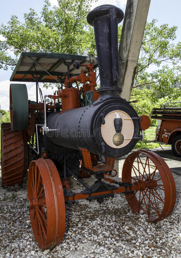 Pompe à incendie antique photos stock
