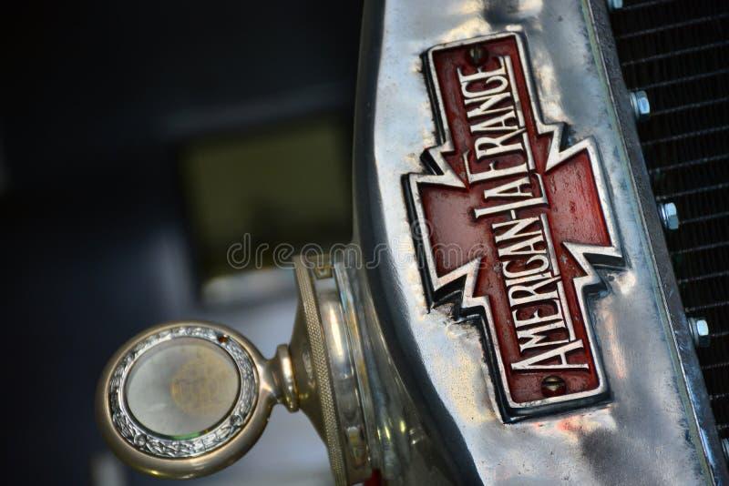 Pompe à incendie antique de LaFrance d'Américain image stock