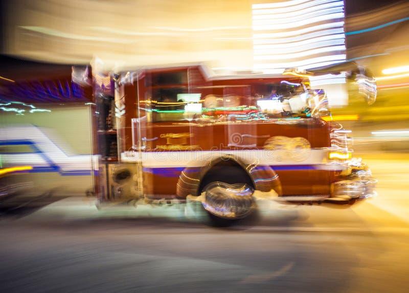 Pompe à incendie en service photo libre de droits