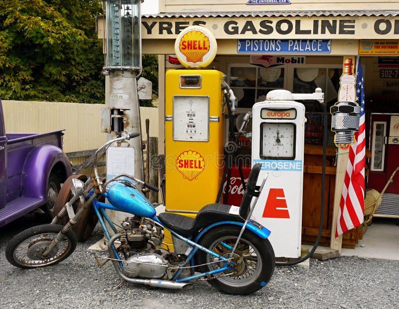 Pompe di benzina d'annata, retro, articoli degli oggetti d'antiquariato fotografia stock