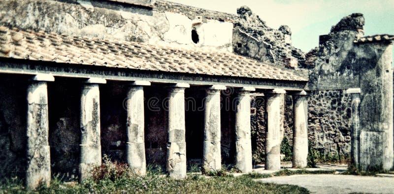 Pompei Italia, circa 1984, rovine di un edificio pubblico fotografie stock