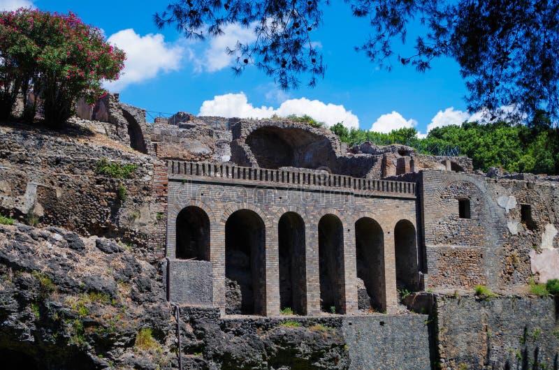 Pompeii, archeological miejsce, antyczne ruiny grodzkie ściany zdjęcia stock