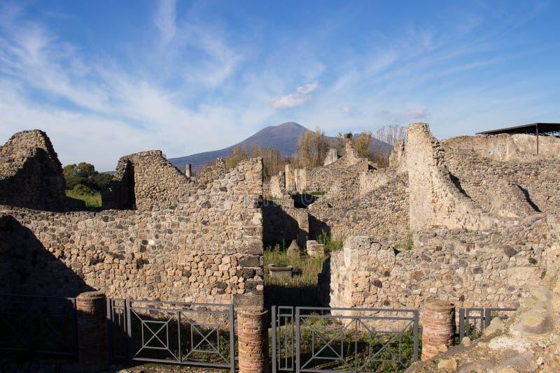 Pompeii est une ville antique enterrée dans l'ANNONCE 79 de l'éruption de images stock