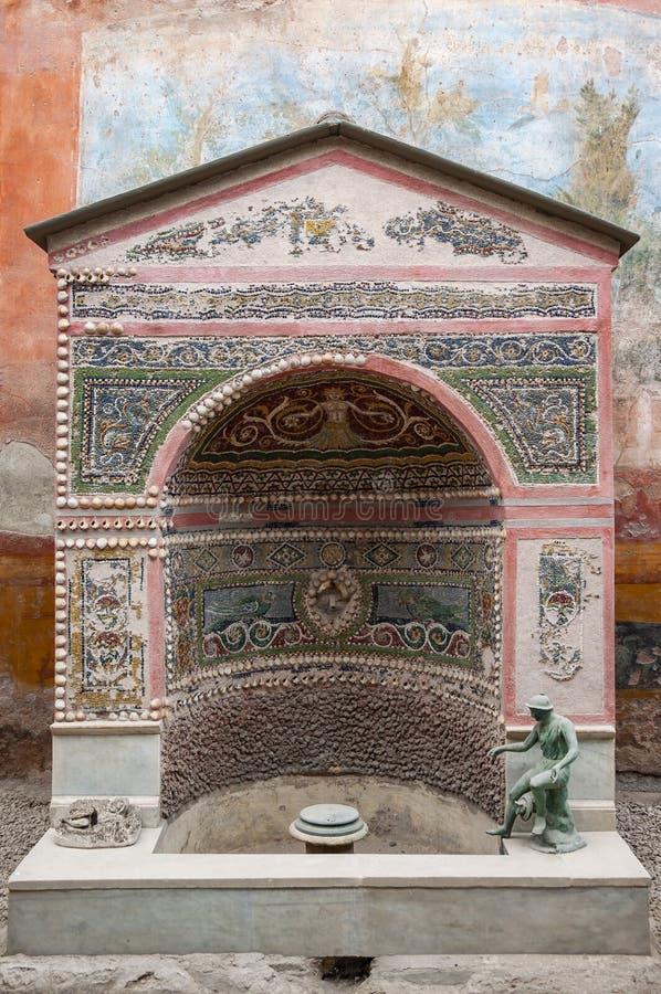 Pompeji, die beste konservierte arch?ologische Fundst?tte in der Welt, Italien Freskos auf der Innenwand zerst?rten zu Hause stockfotos