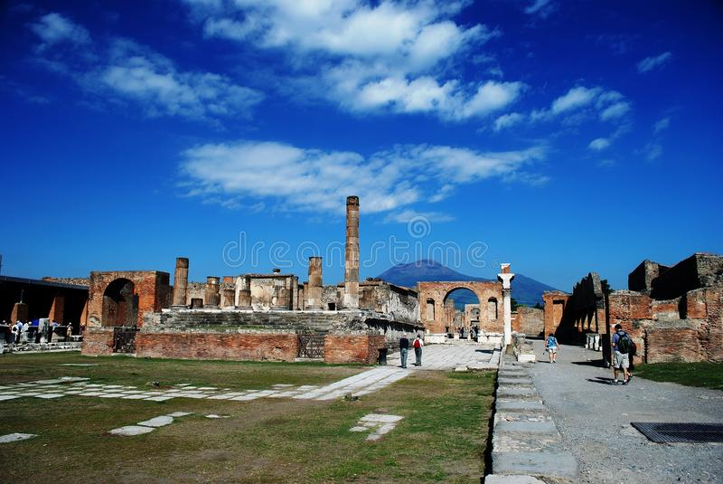 Pompeji-Forum lizenzfreie stockfotos