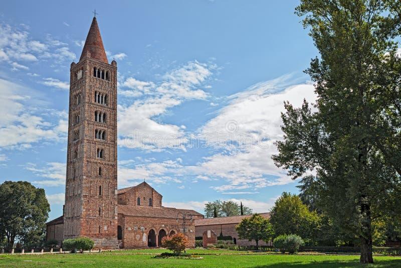 Pomposaabdij in Codigoro, Ferrara, Italië, middeleeuwse Benedictine stock foto's