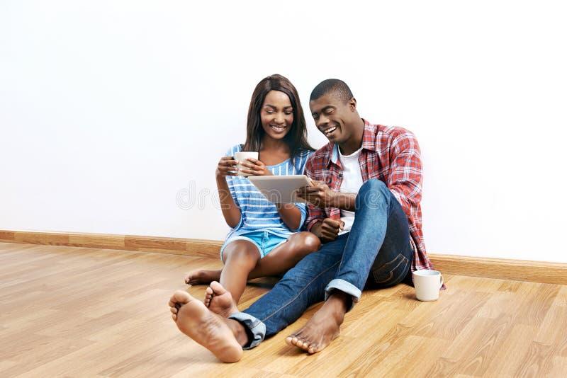 Pomyślna afrykańska para fotografia royalty free