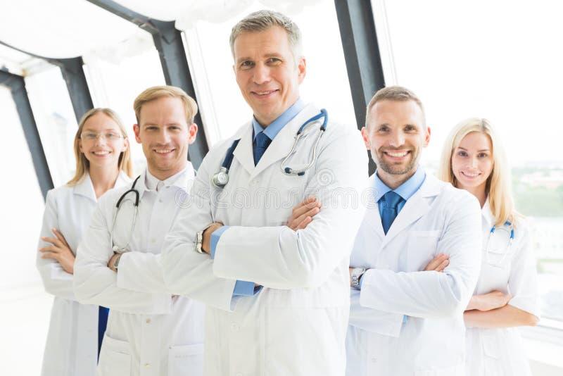 Pomyślna drużyna lekarzi medycyny zdjęcie stock