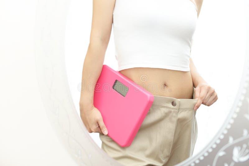 Pomyślna kobieta na diecie zdjęcia stock
