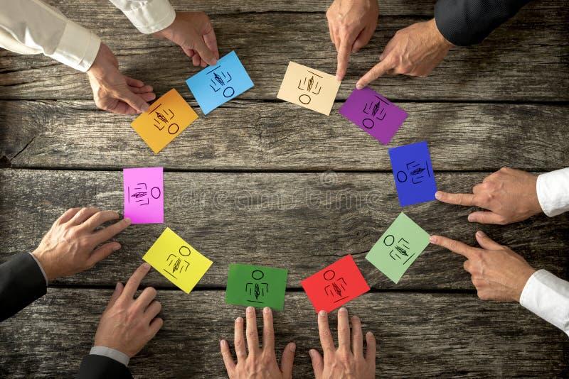 Pomyślni lidery biznesu tworzy różnorodnego i kompetentnego busin zdjęcia stock