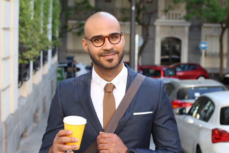 Pomyślny Arabski biznesmena outdoors portret zdjęcie stock