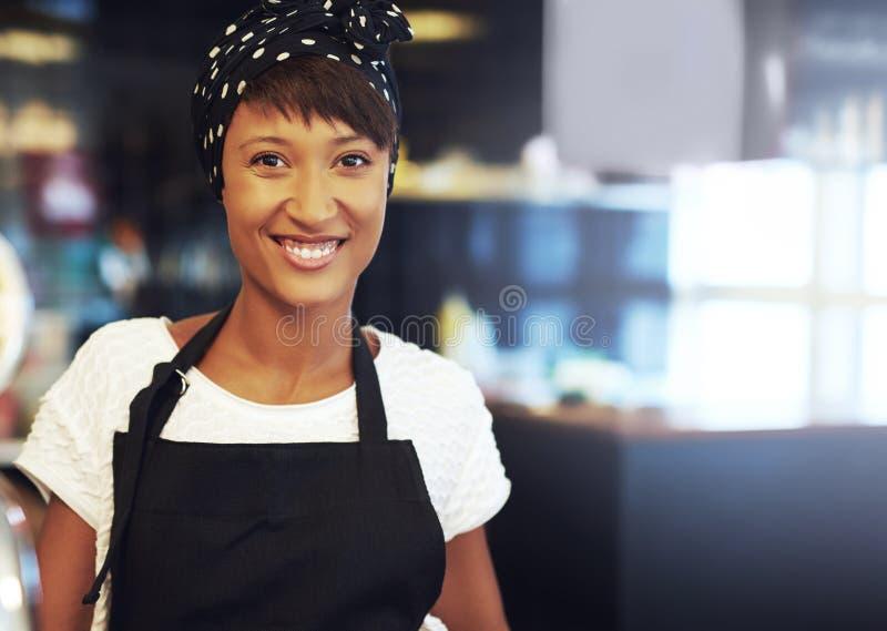 Pomyślny młody Afrykański właściciel biznesu obrazy royalty free