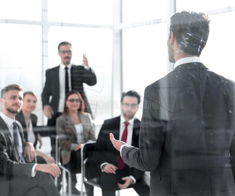 Pomyślny początkowy biznes w audytorium obrazy stock