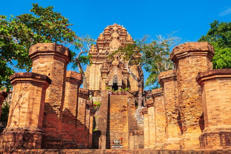 Ponagar, Po Nagar świątynia góruje zdjęcie stock