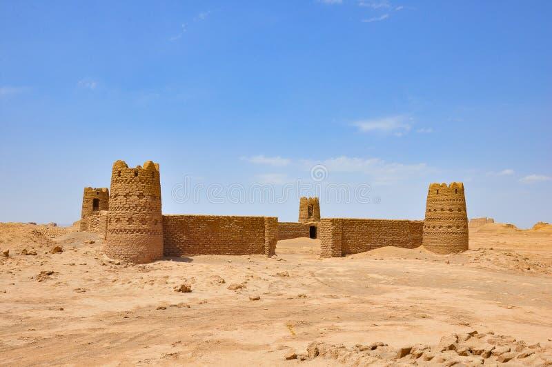 Poncez le château dans le désert l'iran images libres de droits