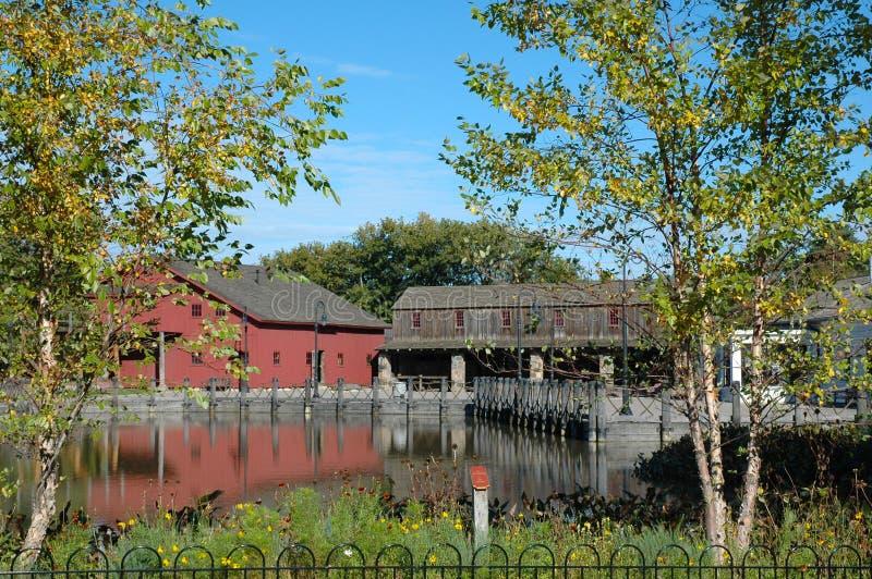 Pond en gebouwen in het Henry Ford Museum royalty-vrije stock afbeelding