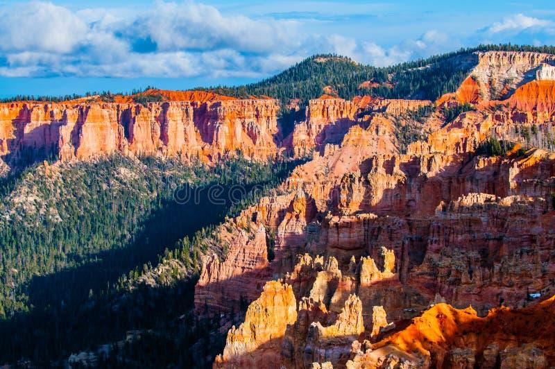 Ponderosa Bryce Canyon Hoodoos no por do sol imagem de stock